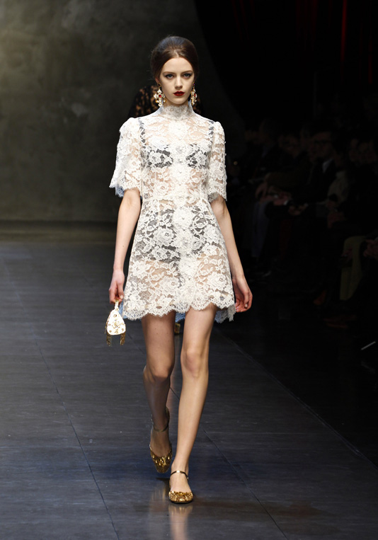 dolce-and-gabbana-fw-2014-women-fashion-show-runway-52