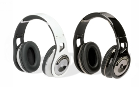 Scosche_headphones_01