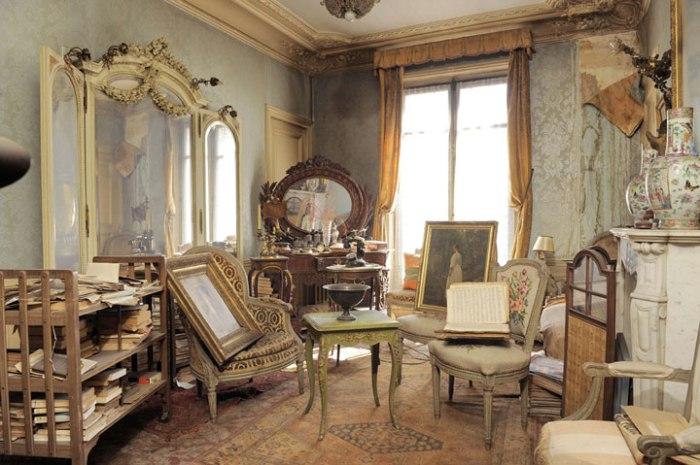 decouvrez-lincroyable-appartement-parisien-de-madame-de-florian-laisse-inoccupe-pendant-70-ans1
