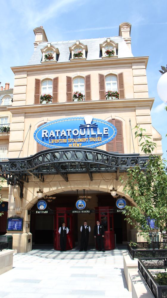 ratatouille ride debuts at disneyland paris bello. Black Bedroom Furniture Sets. Home Design Ideas