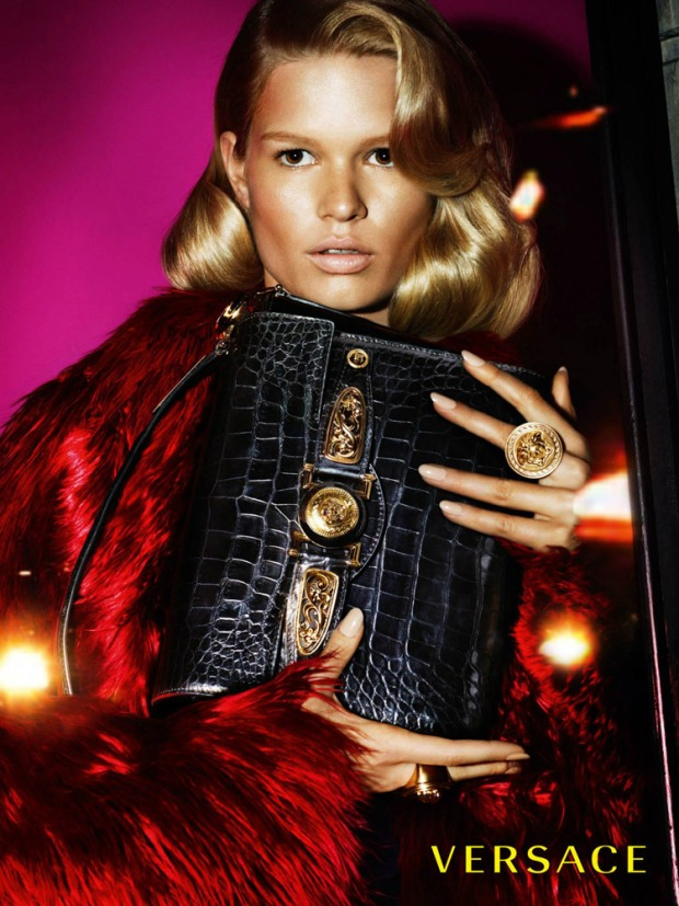 Versace-Fall-Winter-2014-Mert-Marcus-05